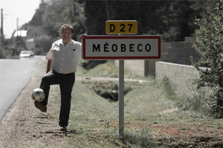 photo du maire de Méobecq à l'entrée du village